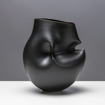 x_mdba_mdby_ceramics_porcelain_manularge_black_hipped_vessel_photographer_g. norwood