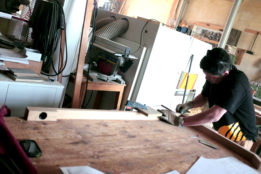a6_mdba_mdby_manufactured_wood_gru_lamp_mariadiaz