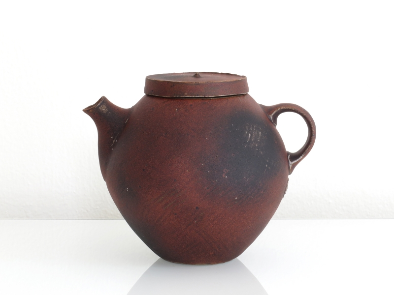 a11_mdba_mdby_manufactured_ceramics_wood_concrete_sculptures_phil_finder_teapot