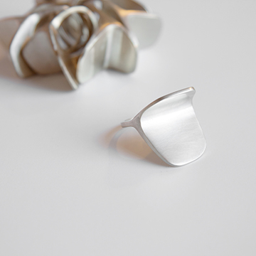 xxx_mdby_manufactured_jewelery_anagorriti_lanthane