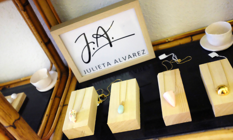 a3_mdba_mdby_manufactured_ceramics_jewelry_colors_geometry_julieta_alvarez